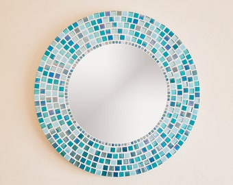 Round Wall Mirror in Turquoise Aqua Blue / Bathroom Mirror / Mosaic Wall Mirror / Mosaic Wall Art / Beach Decor/ Turquoise Home Decor