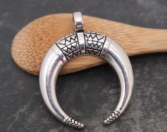 Horn pendant silver half moon ethnic, boho, silver pendant, 34 x 27 mm, 1 pc