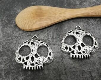 1 pc pendant skull Gothic metal skull.