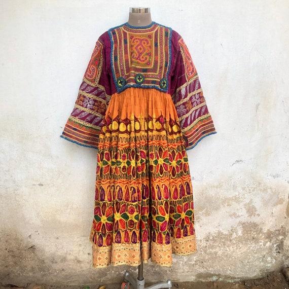 Vintage Afghanistan dress, Pashtun dress, museum,