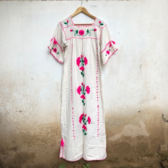 Vintage Mexican dress, White cotton, pink, kaftan,