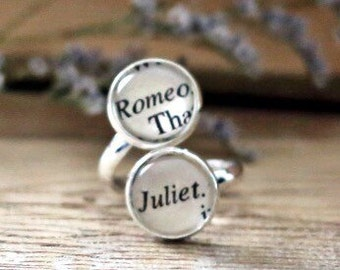Romeo and Juliet double book page ring. Shakespeare ring. Book Page Jewelry. Statement ring
