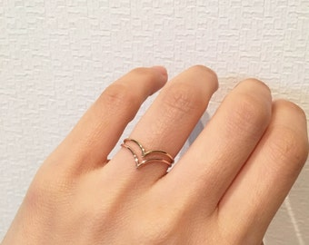 14K solid gold V ring, 14K Chevron Ring, everyday ring, 14K minimalist Ring, 14K knuckle Ring, 14K midi ring, stackable ring, 14k geometric