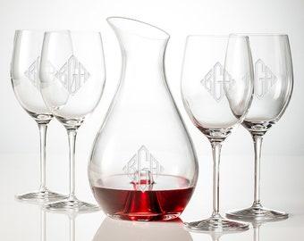 Monogram Wine Decanter With Set of 4 Wine Glasses, Personalized Wine Decanter, Engraved Wine Glass, Crystal Wine Decanter, Wedding Gift