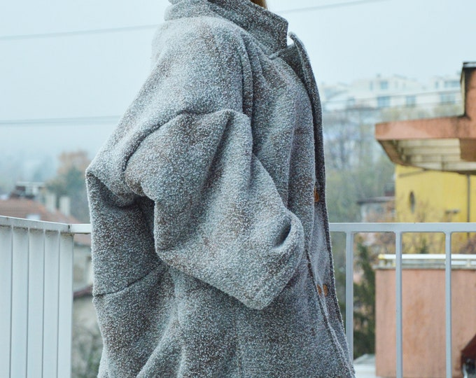 Extravagant Elegant Women Winter Coat, Oversize Wool Boucle Coat, Casual Large Pocket Coat by SSDfashion