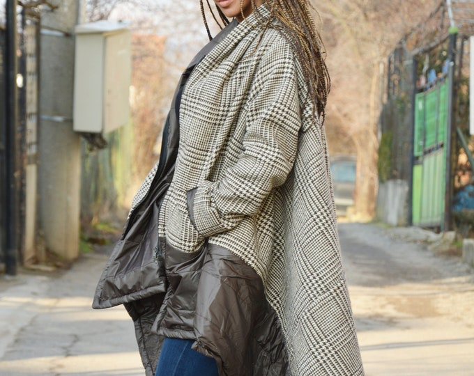 Women's Coat, Winter Coat, Extravagant Wool Coat, Extra Warm Jacket, Asymmetrical Coat, Jacket for Women by SSDfashion
