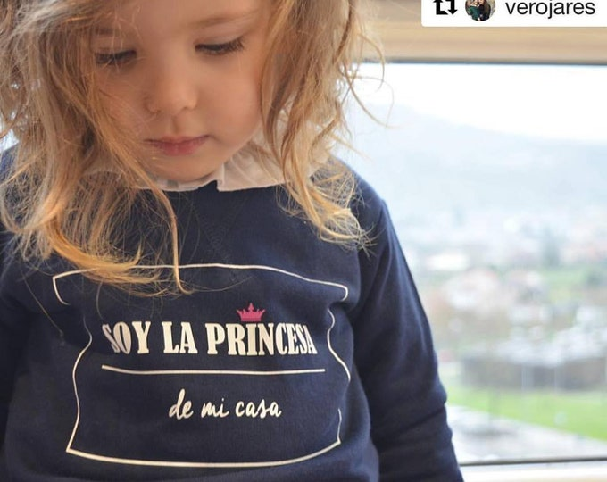 Featured listing image: Girl sweater SOY LA PRINCESA