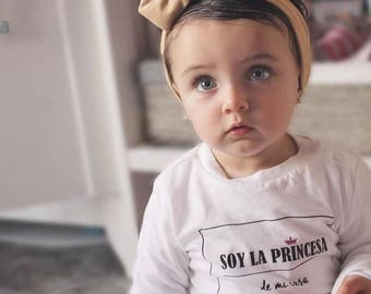 Round neck girl t-shirt or body SOY LA PRINCESA de mi casa