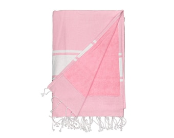 Pack beach towel in different colors.