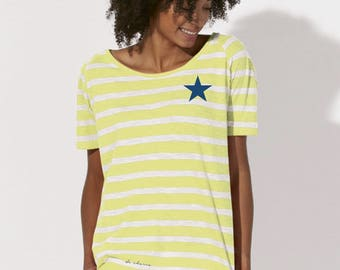 Round neck women STRIPED t-shirt with a navy STAR