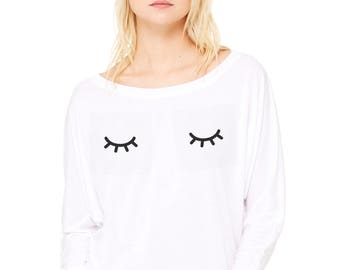 Woman tee with bat sleeves. SLEEPY EYES