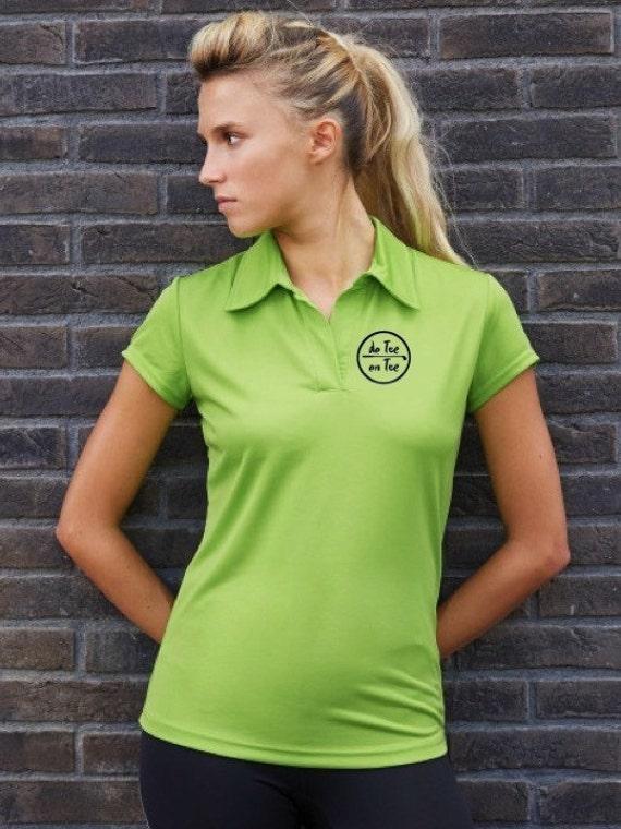 Polo t-shirt for women De Tee En Tee logo in different colors.