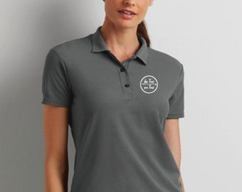 Double pique polo t-shirt for women De Tee En Tee logo in different colors.