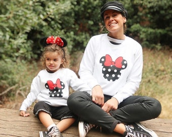Pack long sleeve white sweaters Mickey and Minnie Mouse (adult + child/baby)