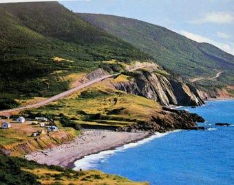 Cape Breton Island, Nova Scotia Postcard / Vintage Holiday Inn Souvenir / Cape Breton Postcard / Cape Breton Souvenir / Sydney  Postcard