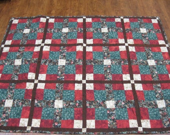 PInes and berries Christmas quilt