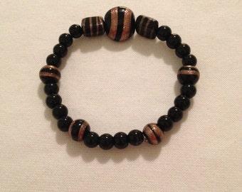 Black agate and glass bead bracelet