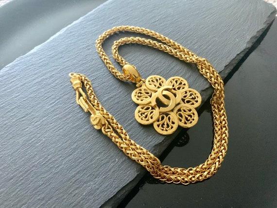 Authentic Chanel gold cc necklace, vintage Chanel