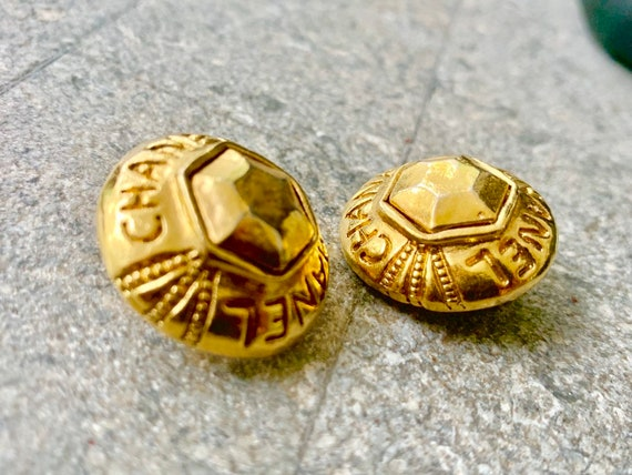 Chanel vintage gold clip earrings, authentic chane