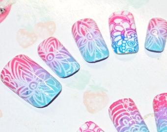 Faux ongles, nail art, japonais, kawaii, Ombré nail, paillette, rose, violet, bleu, pastel, soirée, cosplay, lolita, fairykei, décora