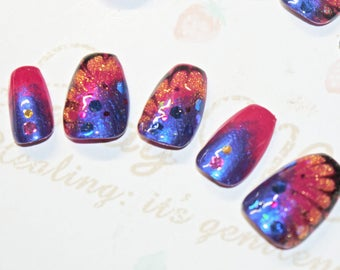 Faux ongles, nail art, japonais, kawaii, papillon, paillette, rose, violet, bleu, soirée, cosplay, lolita, fairykei, décora