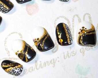 Faux ongles, nail art, japonais, kawaii, kimono, noir et blanc, graphique, soirée, cosplay, lolita, fairykei, décora
