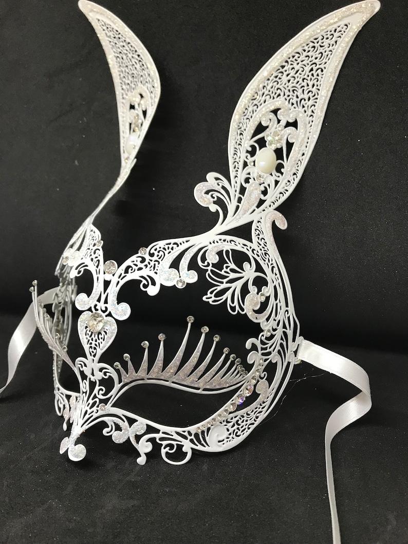 white bunny Z23