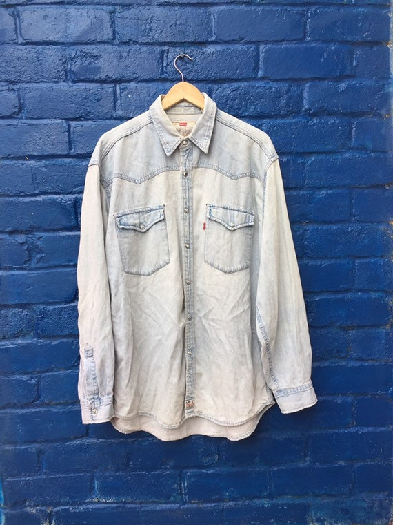 Vintage 80s Levis Red Tab light blue distressed de