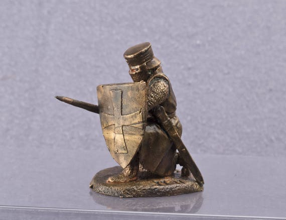 Model 54mm 1:32 scale Copper figur Templar Сollection miniatur Мedieval Knights Templar Armed with a ax