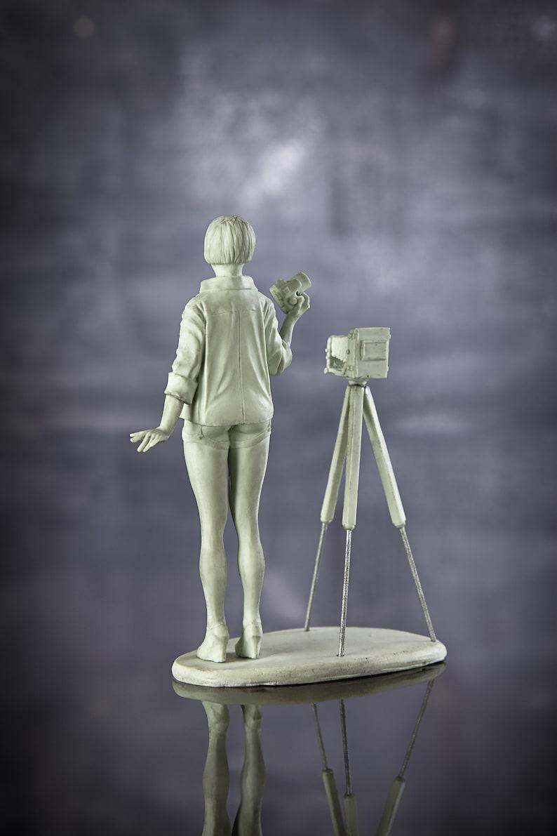 Resin Kit Model naked figure girl. photographer 75mm Toy
