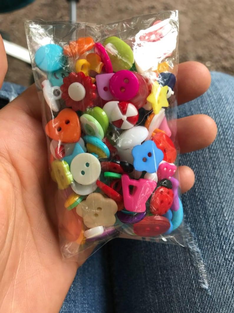 100x Mixed Shape Cartoon Plastic Children/'s  Buttons