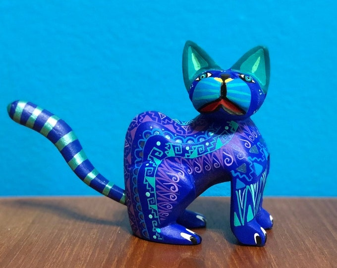 Alebrije Cat Handcrafted Wood Carving by Zeny Fuentes & Reyna Piña from Oaxaca, Mexico.