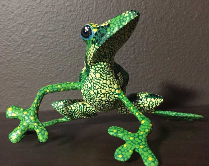 Alebrije Green Frog by Roberto and Esperanza Martinez
