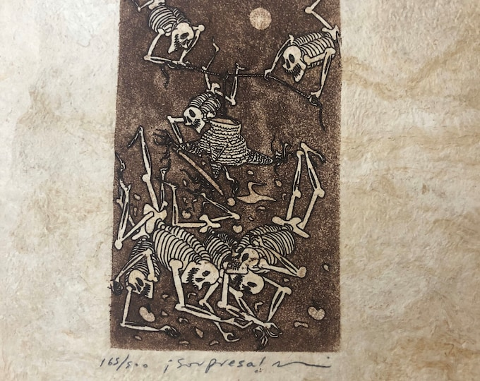 Sorpresa (Surprise) by Nicolas de Jesus. Limited Edition Aquatint print on Amate bark paper.