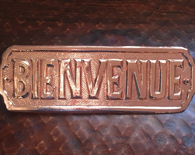 "Handcrafted Hammered Copper Bienvenue Sign (12""x4"")"