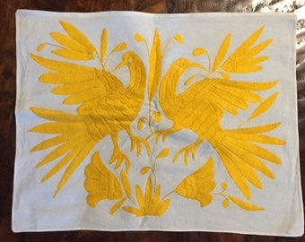 """Hand embroidered Otomí placemat (approx.17"""" x 13"""") - yellow"""
