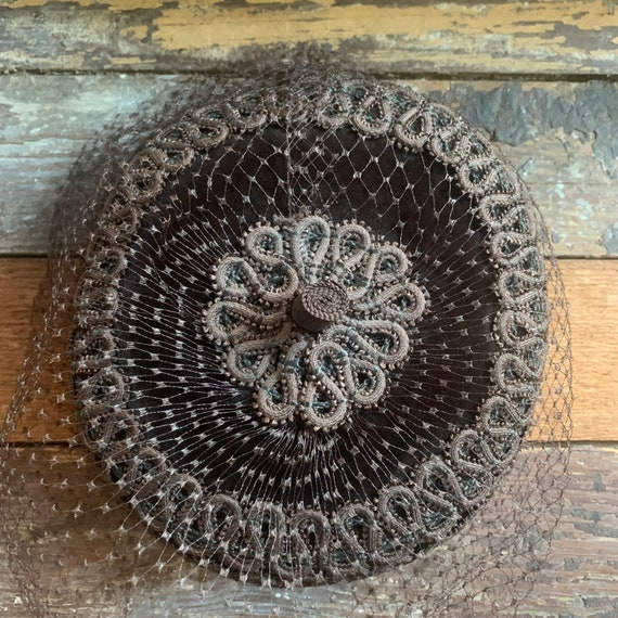 Vintage brown velvet hat by Lucila Mendey