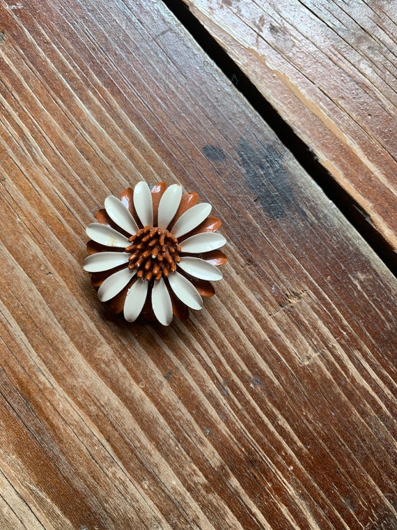 60's Sunflower Brooch