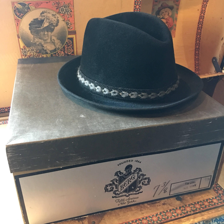 fad2918043466 Berg Velour fedora and hat box