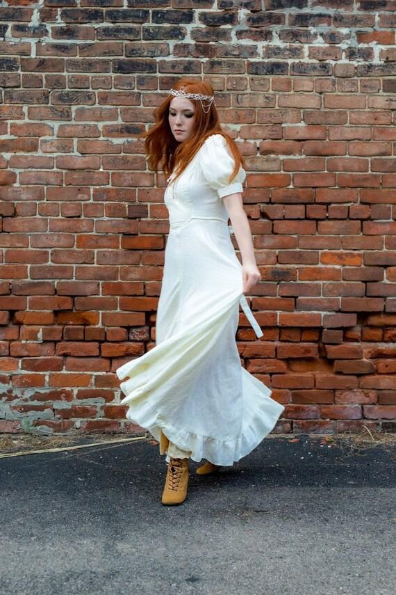 1970s boho Gunne Sax Renaissance style ivory dress - image 4