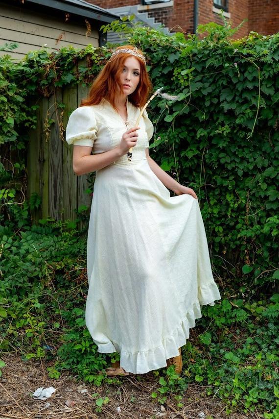 1970s boho Gunne Sax Renaissance style ivory dress - image 3