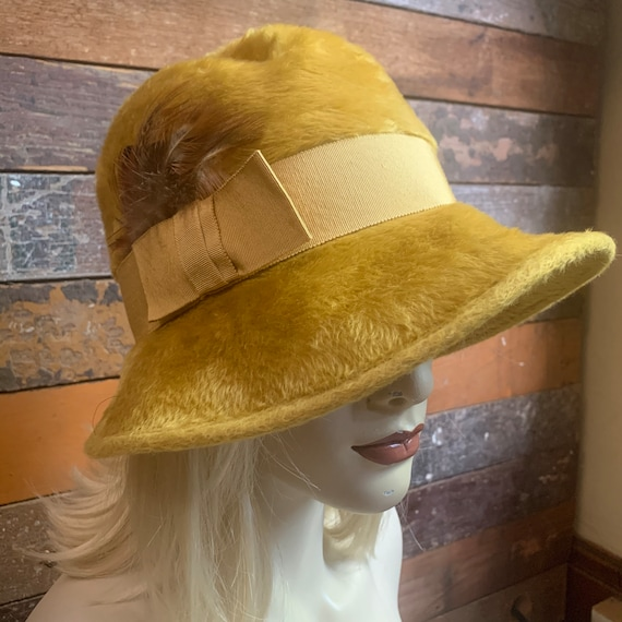 Vintage faux fur golden yellow fall hat