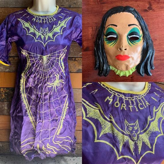 1960s Morticia Addams costume