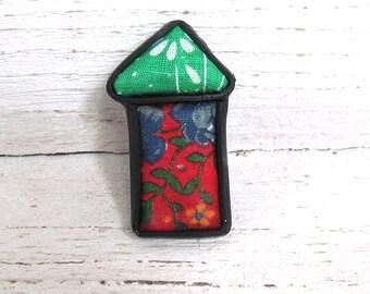 Little house christmass patchwork brooch