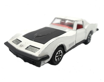 1970s Vintage Dinky 221 Corvette Stingray Toy. Collectible England