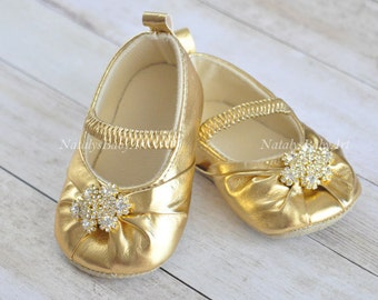 Gold Baby shoes Wedding girl shoes Crystal Baby girl crib shoes Gold infant slippers Christmas baby shoes Gold Christmas shoes