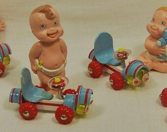 """Voiture pour poupée enfant """"RedBlue"""" deuxième série"""