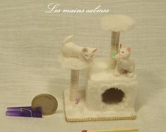 Arbre à chat MINIATURE blanc 10ème et 12ème