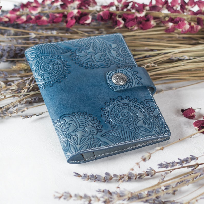 Floral Paisley Pattern Fashion Leather Passport Holder Cover Case Travel Wallet 6.5 In