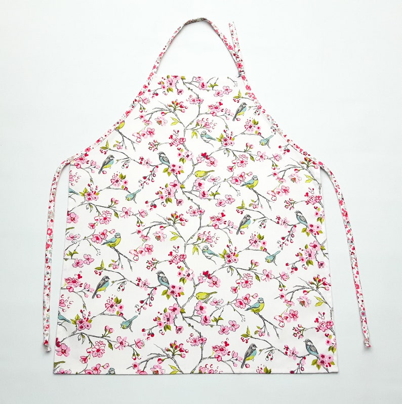 Cooking Apron Women/'s Apron Kitchen Apron Shabby Chic Apron Gift Apron Blossom and Birds